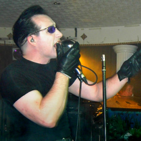 Dave Vanian performing live with The Damned at Cleethorpes in August 2006