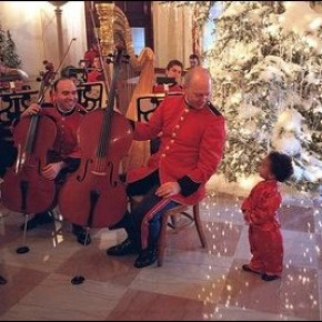 Marine Band in the Cross Hall during the 2001 holiday season.