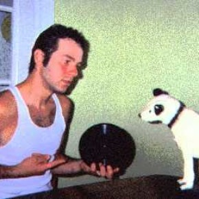 MAC and Nipper discussing the finer points of acoustic recording.