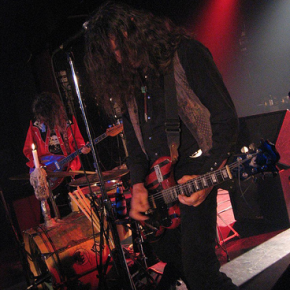 Playing at Metropool Hengelo, The Netherlands, September 16th 2006.