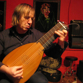 Taken on January 27, 2008...his lute was made in Toronto